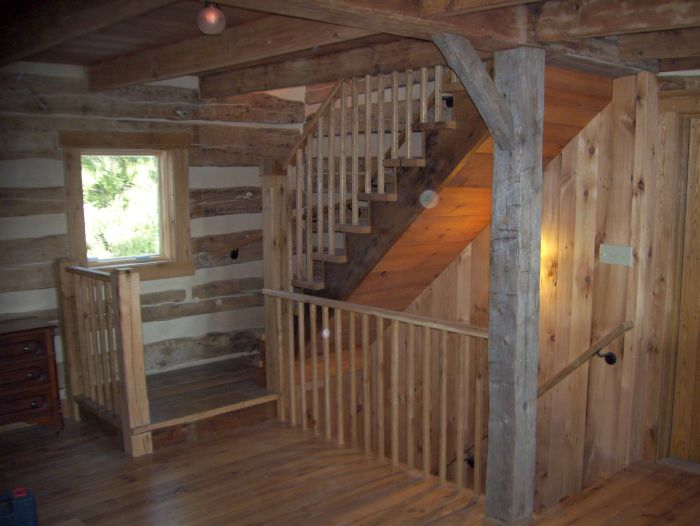 Reclaimed Barn Beams Antique Wood Flooring Barn Wood