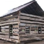 End/side view of 1.5 story log home