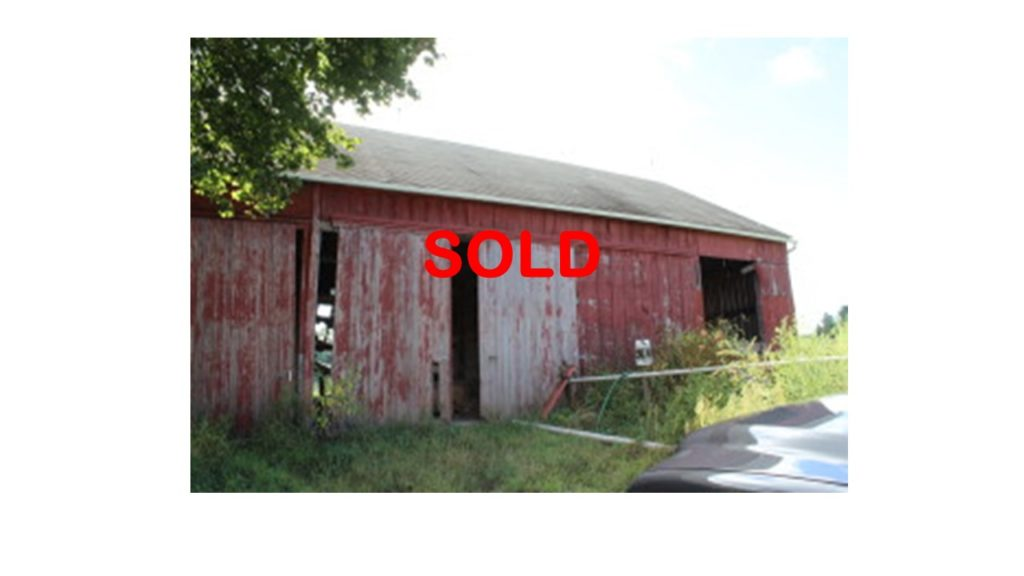 SOLD Ring barn